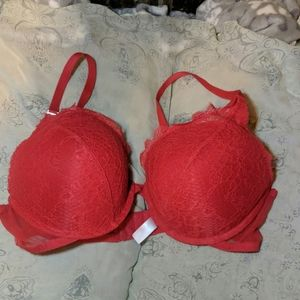 Red Gilligan and O'Malley bra size 38D